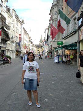 Mejeng di Pusat Belanja  kota Zürich