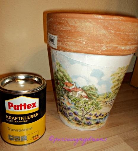 Karya ketiga saya Melapisi Pot dengan Kertas HVS