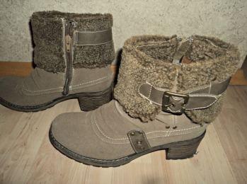 sepatu boots. Sepatu Musim Dingin. (Foto: dok. pribadi)