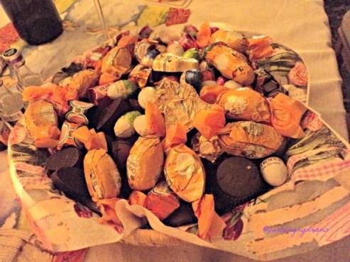 Coklat-coklat sangking Berlimpah tidak ada yang Berminat Memakannya