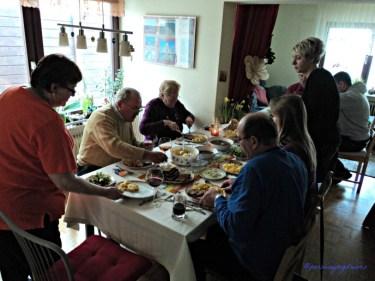 Makan Siang Bersama Menyambut Paskah