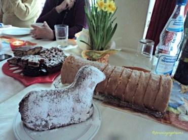Kue Bentuk Domba Paskah