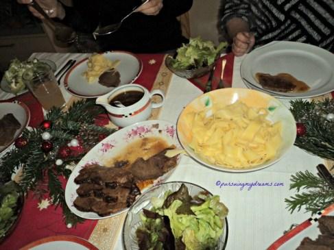 Menu makanan kami ketika santap Natal pada makan siang