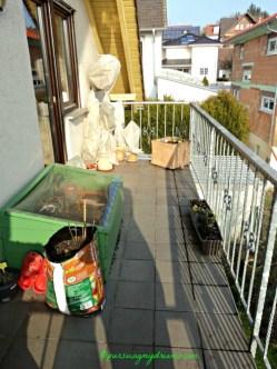 Sudut lain Balkonku yang hampir kosong pada musim dingin. 31.01.2014