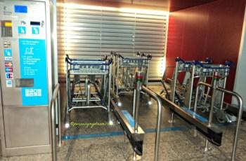 Peminjaman troley di Bandara Frankfurt