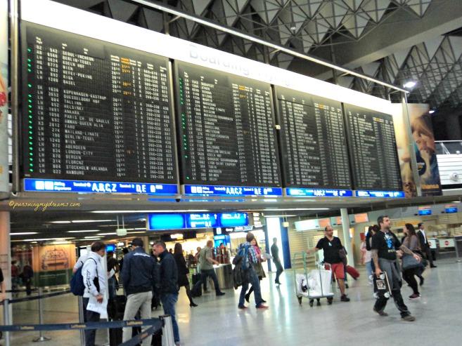 Bandara Frankfut 02 Oktober 2014 jam 20