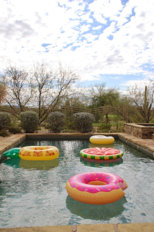 Arizona offers sun, shopping and relaxation