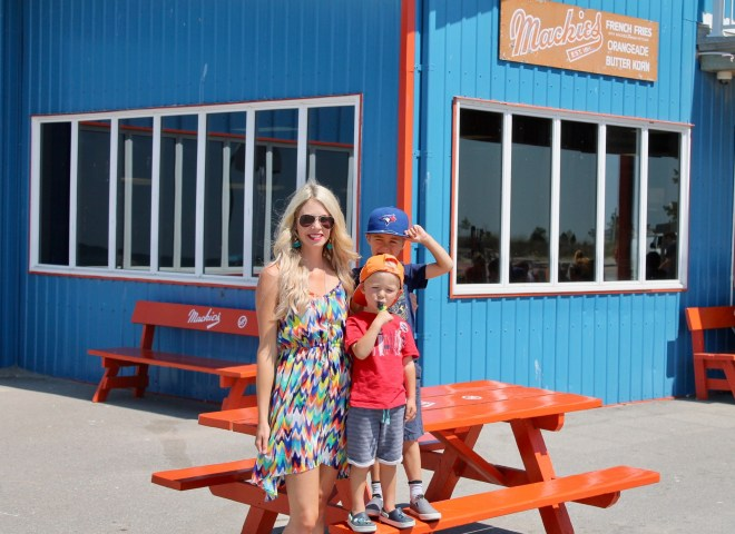 Mackie's Port Stanley - family food
