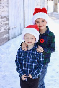 How To Save Time and Money During the Holiday Season - Family Photos - Christmas cards