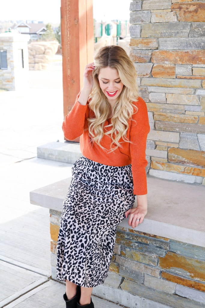 Chic affordable fashion! Click over to the blog to see where this gorgeous orange sweater and leopard skirt are from! Affordable fall fashion at it's best!