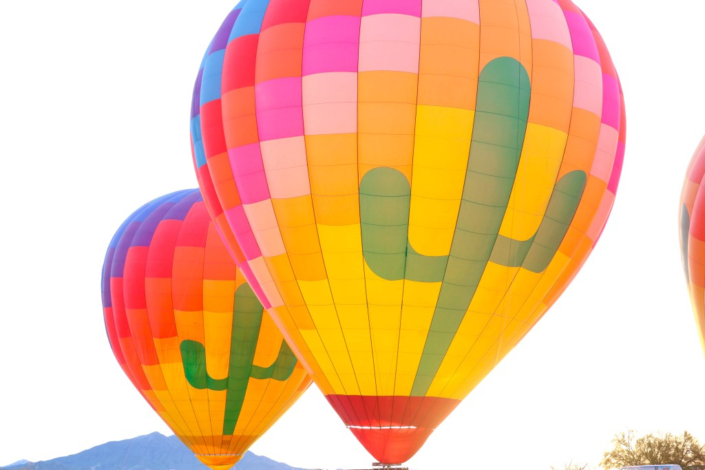 Bucket List travel guide: Hot Air Balloon Ride over the Arizona desert #travel #bucketlist #travelguide #arizona