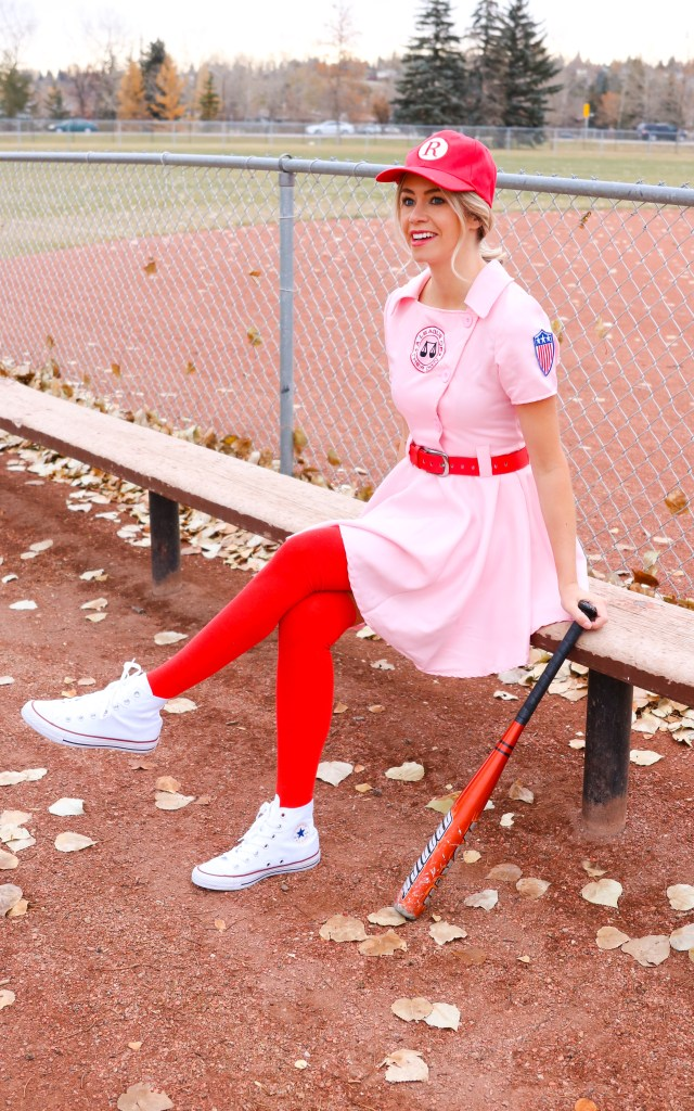 Halloween Costume ideas for women- tasteful costume - baseball uniform costume - A League of Their Own - #halloween #costume #costumeideas #halloweencostume #baseball