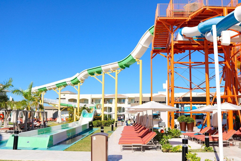 Water slides at The Grand Moon Palace - water slide height requirement