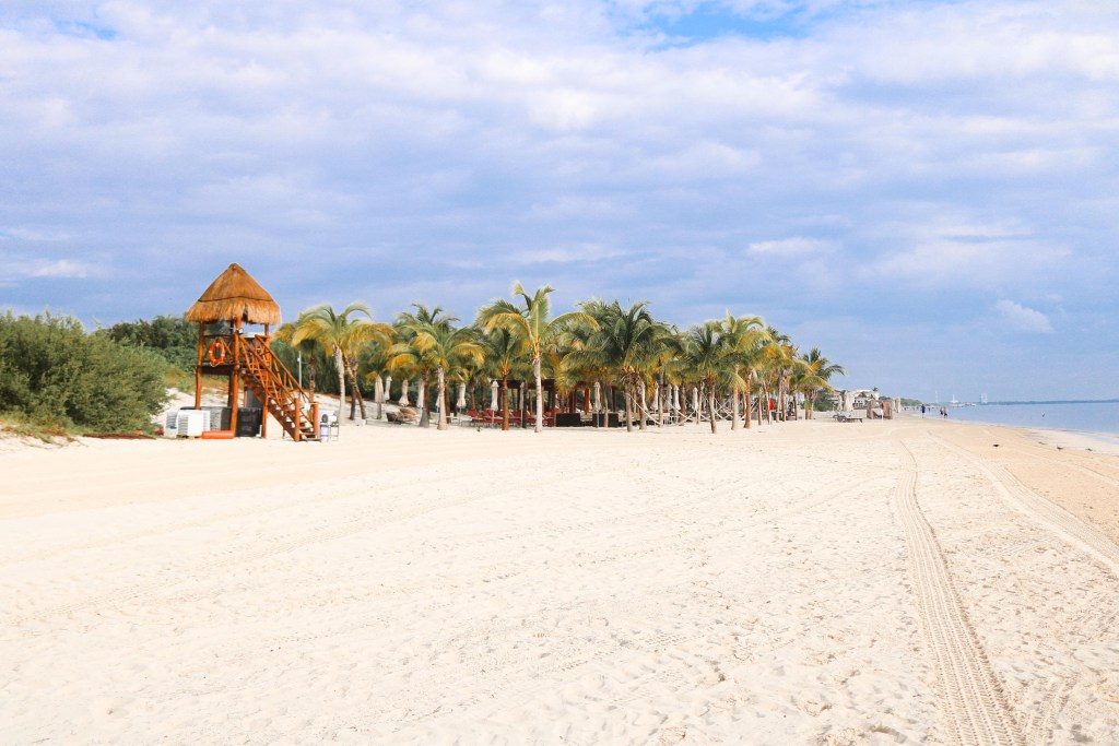 Family-friendly resorts in Cancun, Mexico