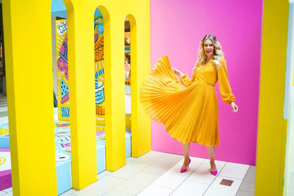 Colourful Instagram Influencer from Calgary, Alberta, Canada - Pursuing Pretty