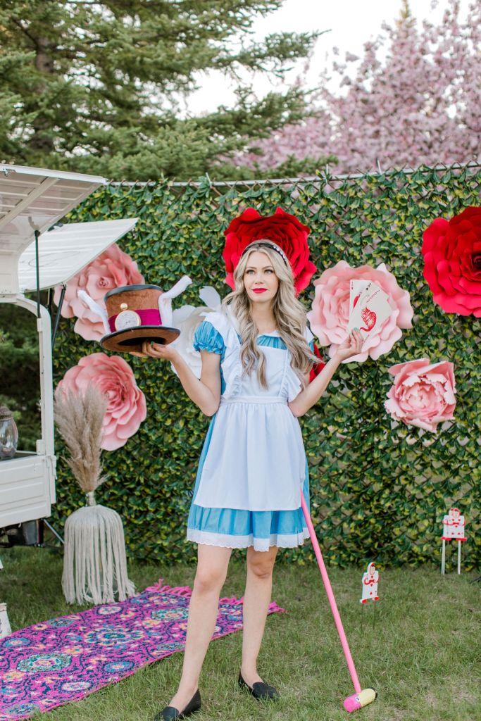 alice in Wonderland Halloween Costume idea - Women's costume