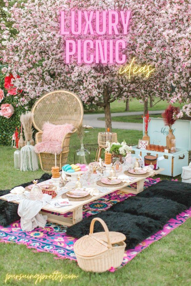 Luxury Picnic decor ideas. Boho picnic ideas from Bubbles and Brews. Luxury picnic in Calgary.
