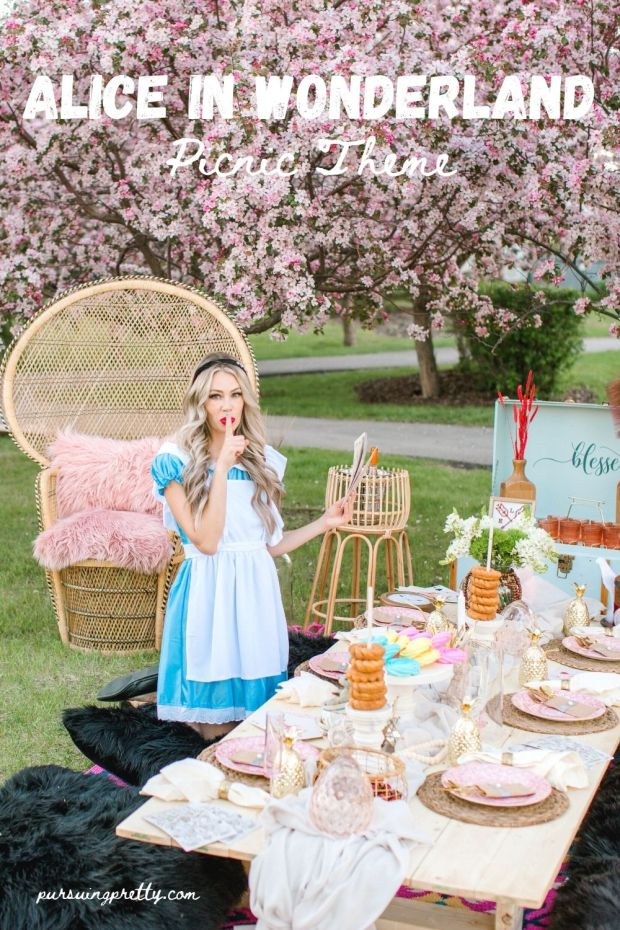 Alice in Wonderland Tea Party decoration ideas. The cutest picnic ideas for your guests! Throw a picnic they will never forget!