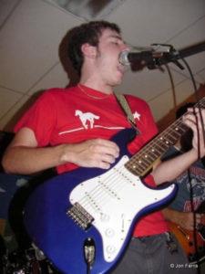 Paul 2003 guitar-sing