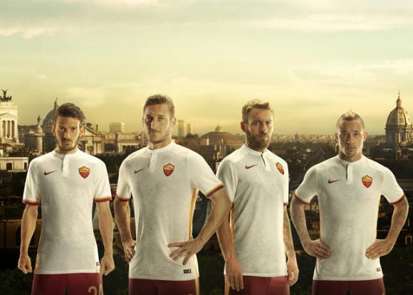 AS Roma 2015-16 Away