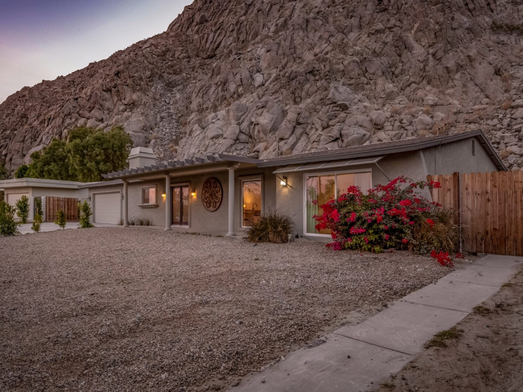 Morrocan Cliff House Palm Vacation Rentals Palm Springs Indio Desert Sourthern California CA 2O7A6507copy