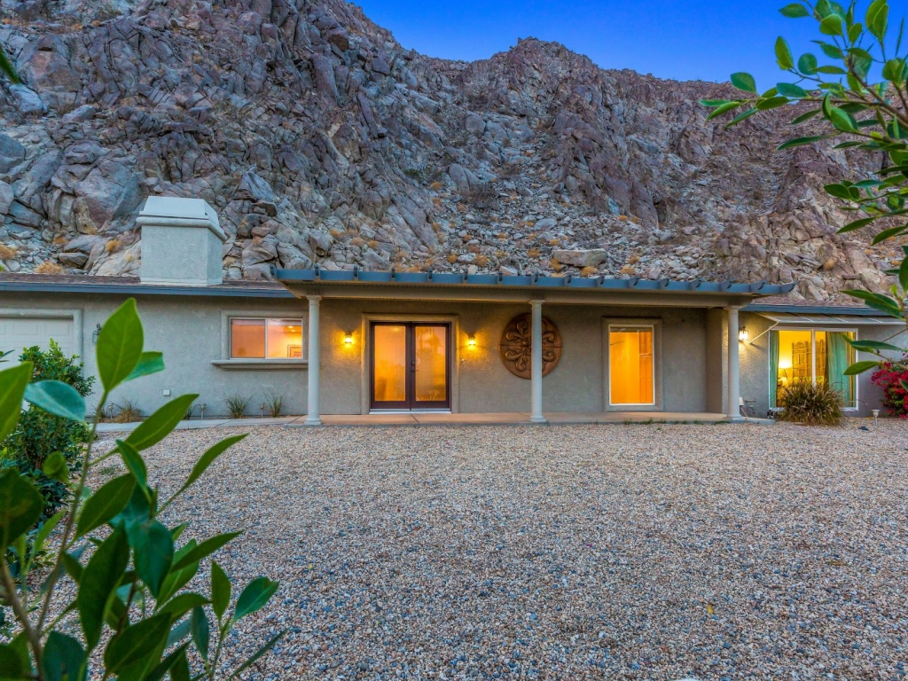 Morrocan Cliff House Palm Vacation Rentals Palm Springs Indio Desert Sourthern California CA 2O7A6539copy