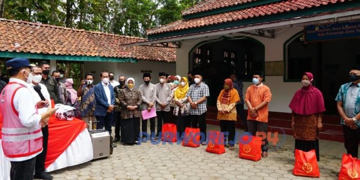 Menteri Perhubungan Republik Indonesia Budi Karya Sumadi melakukan kunjungan kerja ke Kabupaten Purworejo, Minggu (28/08/2021).