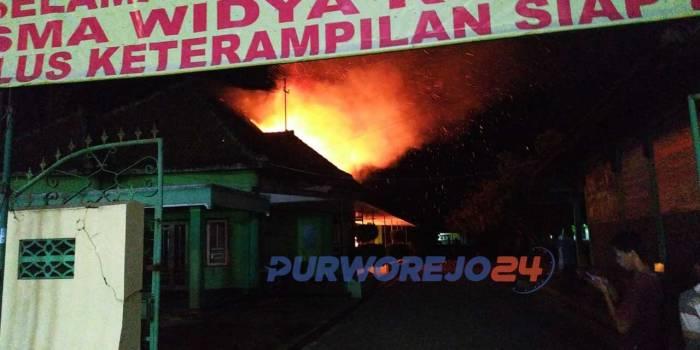 kebakaran di SMK Widya Kutoarjo, Kamis (30/9/2021)