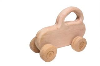 Giocattoli di legno - piccola macchina