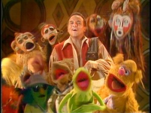 "Harry Belafonte sings ""Turn the World Around"" with the Muppets."