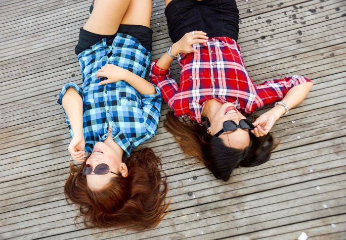 How to Remain in Touch with Your Friends : Practical Tips for 2021