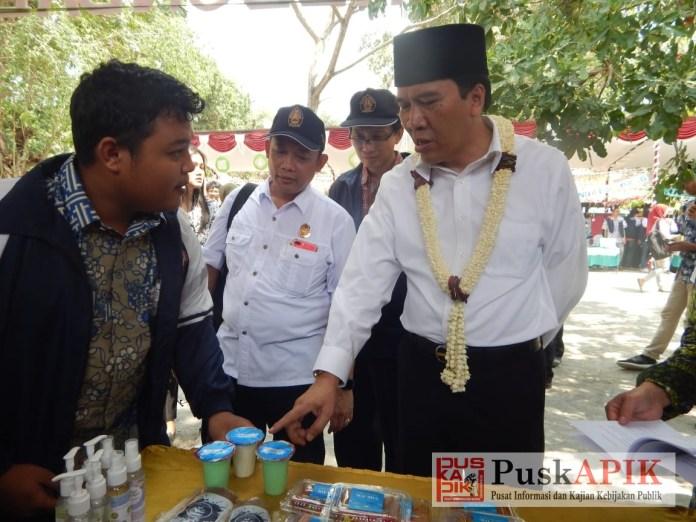 DIPAMERKAN - Produk olahan susu kambing etawa sedang dipamerkan oleh Mahasiswa Undip di Expo