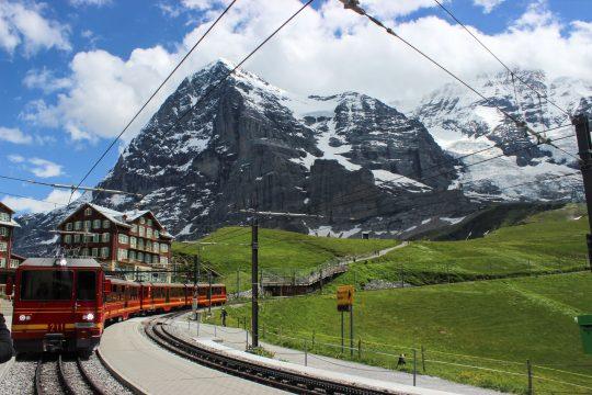 Alplerin kalpleri yumuşatan durağı: Jungfrau Bölgesi