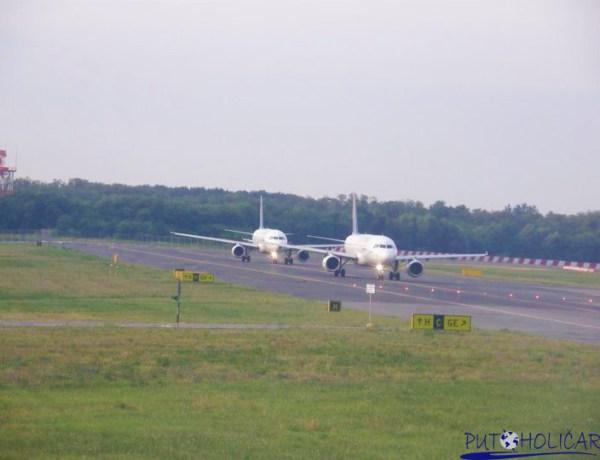 Putnici čekali satima na polijetanje aviona, u očaju međusobno se potukli