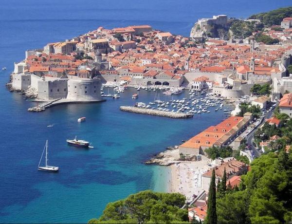 Dubrovnik – Aviokarta iz Zagreba + 3 noćenja 192€