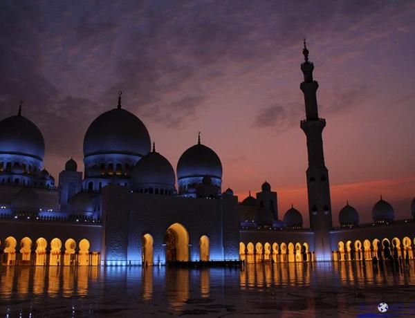 Abu Dhabi: Džamija šeika Zayeda  – Čarobni biser usred pustinje