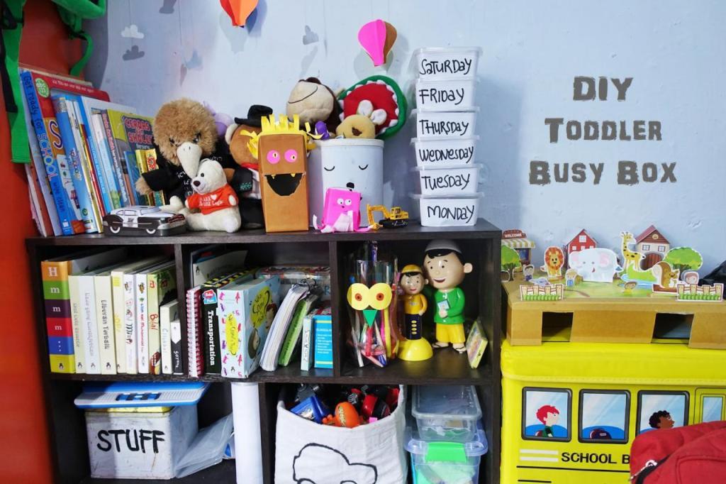 DIY Toddler Busy Box, Kegiatan Seru Untuk Anak