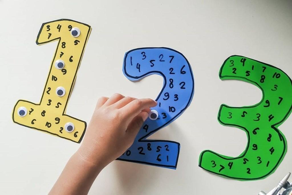 MONTESSORI AT HOME; Ide Aktivitas Mengenal Angka dan Belajar Berhitung