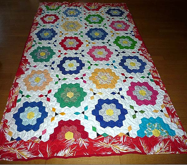 karin christensen sengetæppe til kildemose quiltet lail brøgger