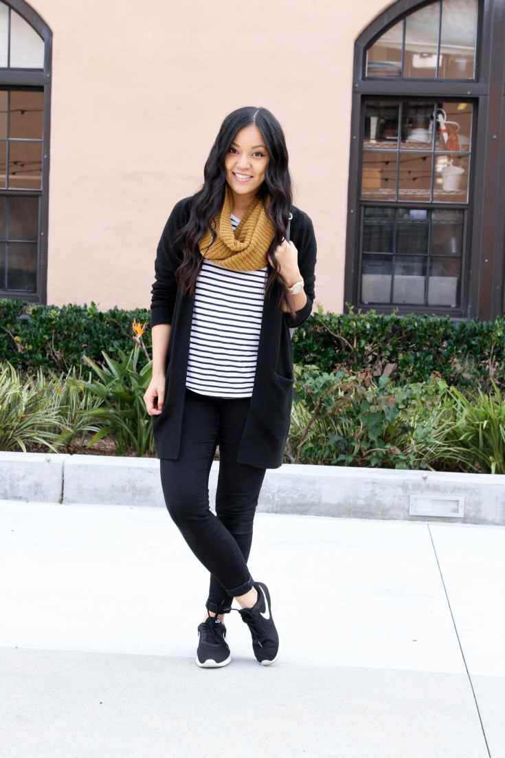 Travel Outfit: Black Cardigan + Striped Tee + Scarf + Black Jeans + Sneakers