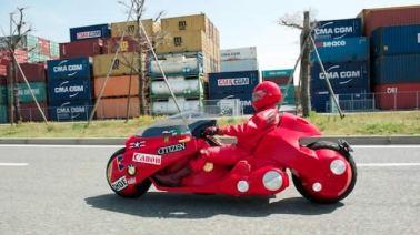 Japones-cria-moto-de-Akira-de-verdade_f03