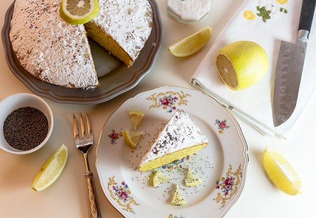 Vanille Matcha Sponge Cake