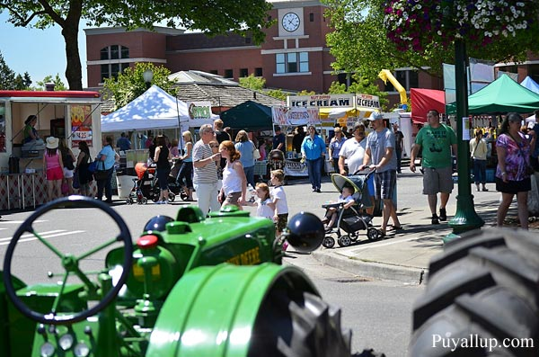Meeker Days Tractors Downtown Puyallup