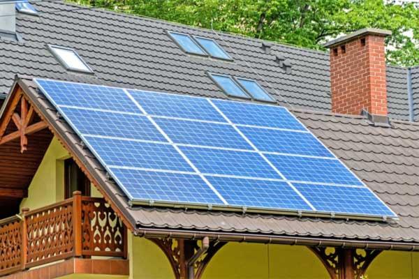 solar-panels-on-metal-roof