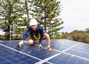 How to start and build a career in the solar power industry