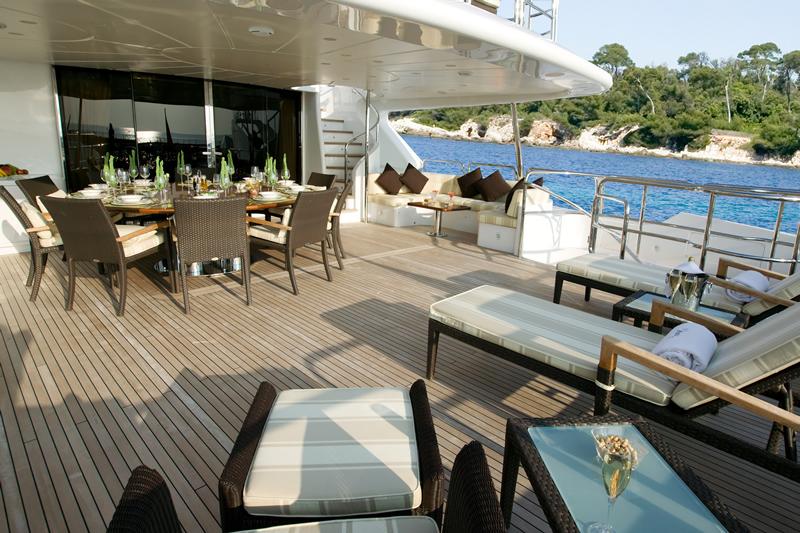 Yacht Benetti Classic 120 Ft In Puerto Vallarta