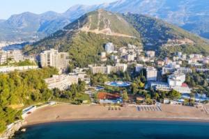 U Bečićima otkriven ilegalni market u hotelu MUP-a Srbije