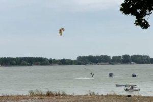 Slučajno snimljeni poslednji trenuci srpskog repera: Gru se borio sa vjetrom na rijeci (VIDEO)