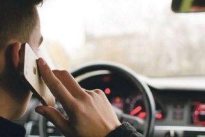 Vozači u CG će moći da koriste telefone u vožnji, ali uz pomagala