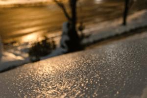 "Od 18 časova u Pljevljima pada ledena kiša – Zimska služba ""Čistoće"" na terenu"